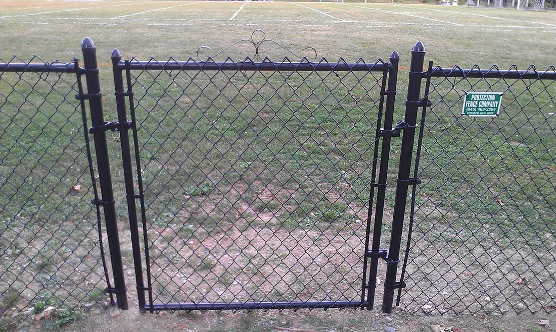 Chain Link, 4u0027, All Black, Residential, Single Gate With Standard Hardware.